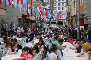 KAĞITHANELİ ÇOCUKLAR 'ÇOCUK İFTARI'NDA BULUŞTU