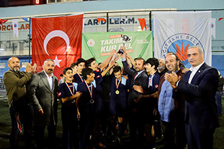 KAĞITHANE'DE ŞAMPİYON BELLİ OLDU